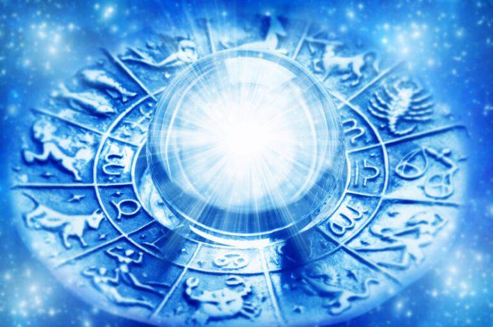 【占星術とは何か】今年はなんと、 水瓶座満月が2回もやってくる